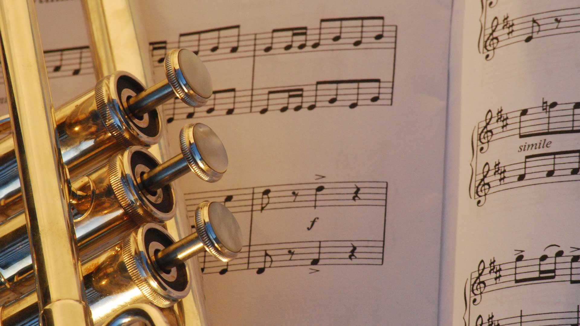 Trompete und Notenblatt